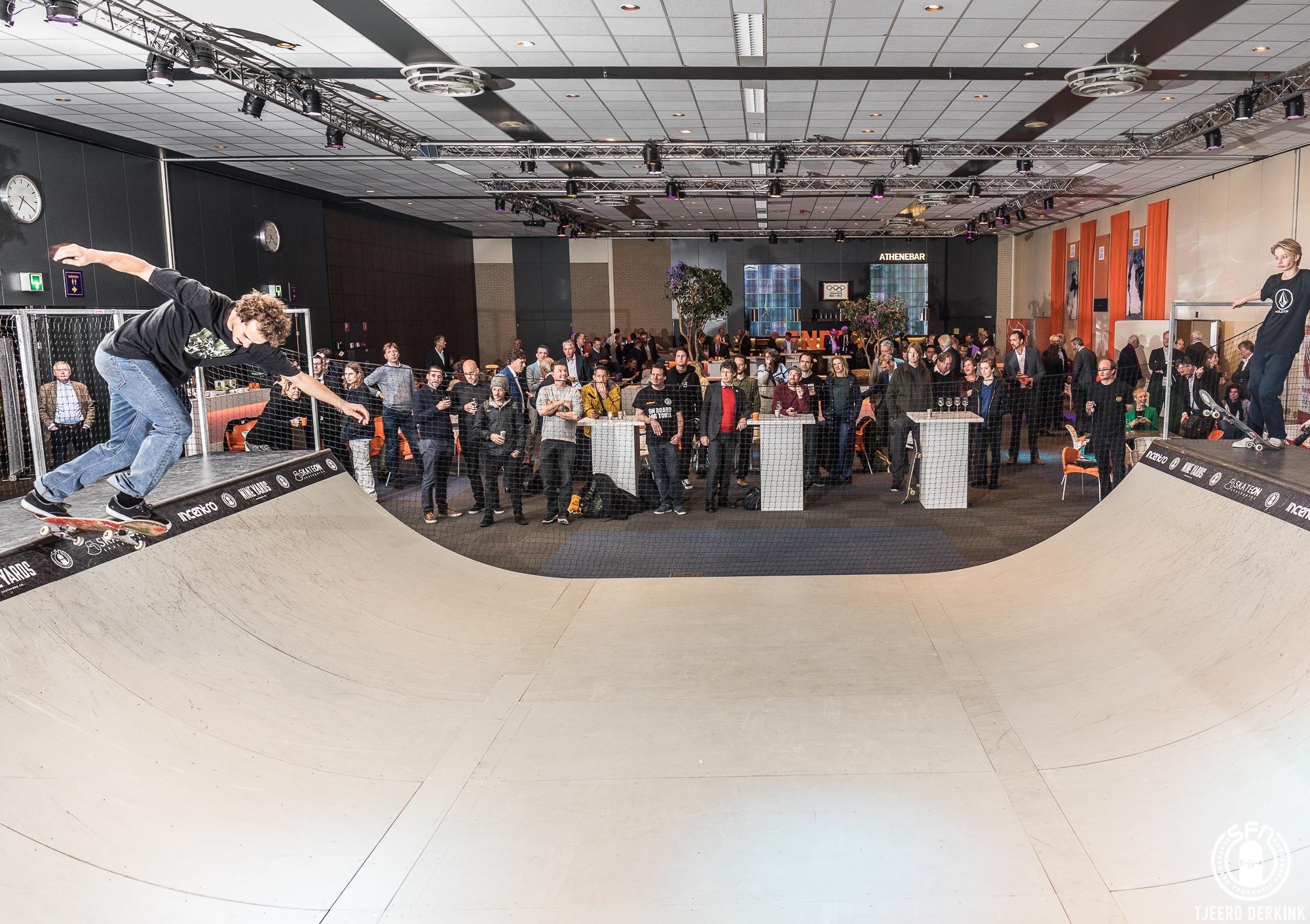 Voor aanvang van de algemene ledenvergadering van NOC*NSF gaf de Nederlandse Skateboard Selectie een spectaculaire miniramp-demonstratie
